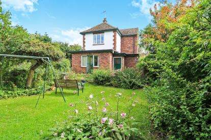 3 Bedrooms Detached House for sale in Watton, Thetford, .