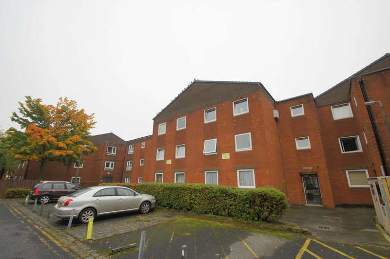 2 Bedrooms Apartment Flat for sale in Paderborn Court, Bolton