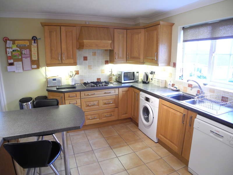 4 Bedrooms Detached House for sale in Mill Road, Beccles, Suffolk