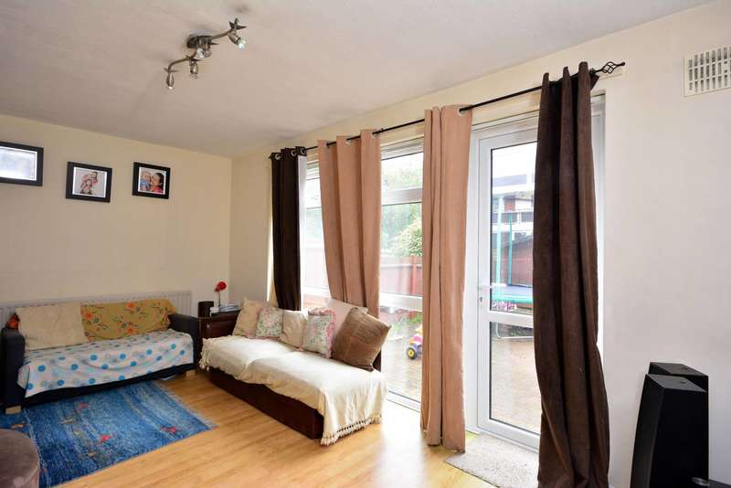 2 Bedrooms Maisonette Flat for sale in Clarence Lane, Roehampton, SW15
