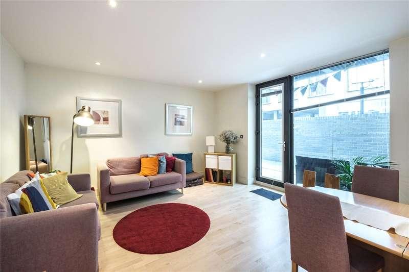2 Bedrooms Flat for sale in Antonine Heights, City Walk, London, SE1