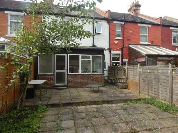 3 Bedrooms Terraced House for sale in Torr Road, Penge, London