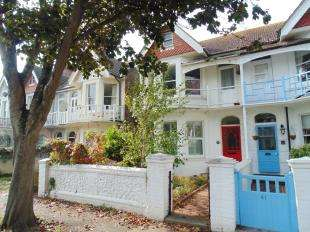 2 Bedrooms Flat for sale in Alexandra Road, Worthing, West Sussex