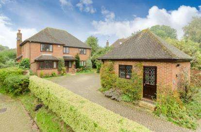 4 Bedrooms Detached House for sale in Sleaford End, Maulden, Bedford, Bedfordshire