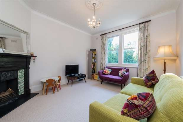 2 Bedrooms Flat for sale in Kingsmead Road, Tulse Hill
