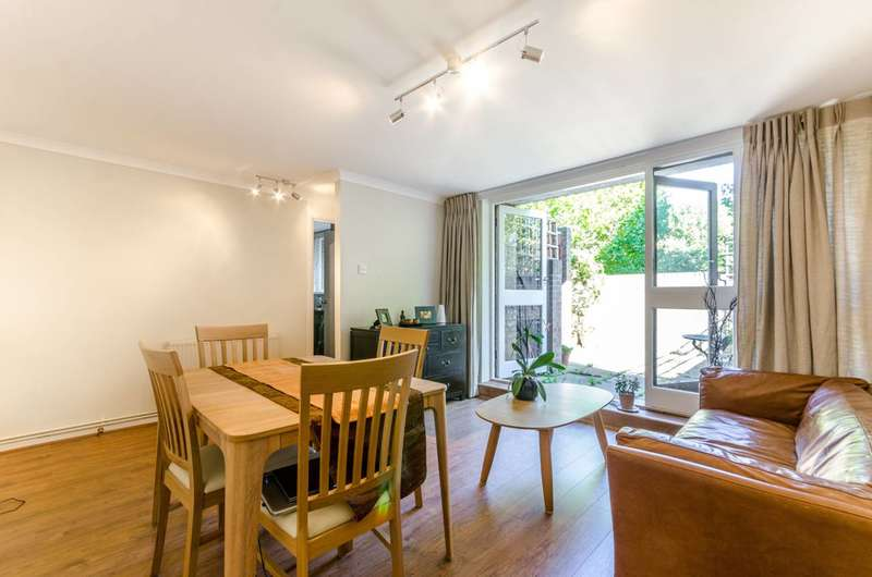2 Bedrooms Maisonette Flat for sale in Burr Close, St Katharine Docks, E1W