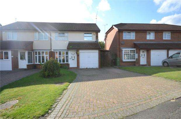 3 Bedrooms Semi Detached House for sale in Fernhurst Road, Calcot, Reading