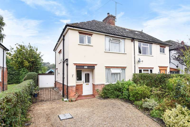3 Bedrooms Semi Detached House for sale in Brookwood