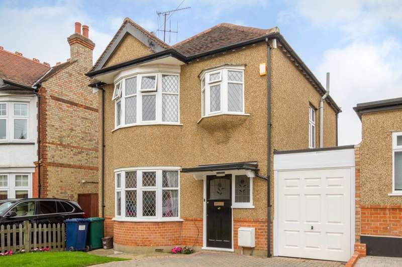 4 Bedrooms Detached House for sale in Woodville Road, High Barnet, EN5