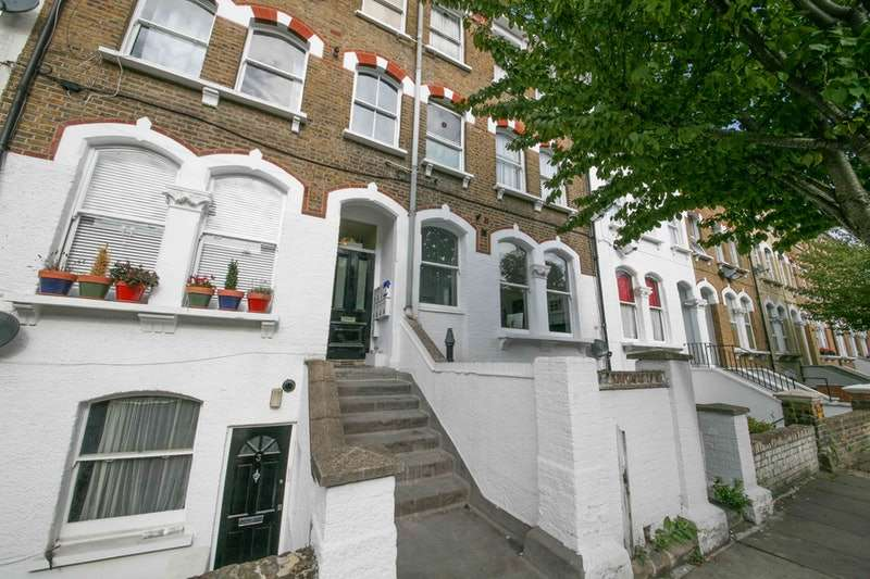 2 Bedrooms Flat for sale in Netherwood Road, London, London, W14