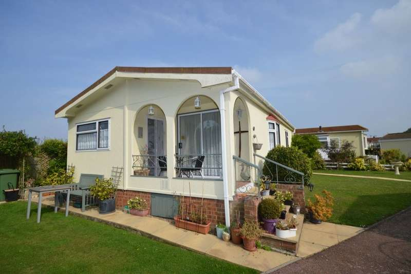2 Bedrooms Property for sale in Four Horseshoes Park Seasalter Road, Graveney, ME13