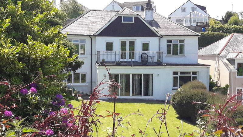 4 Bedrooms Detached House for sale in Wembury Road, Wembury