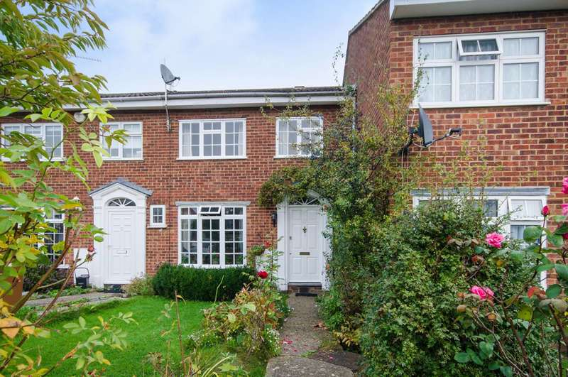 3 Bedrooms Terraced House for sale in Willows Close, Pinner, HA5
