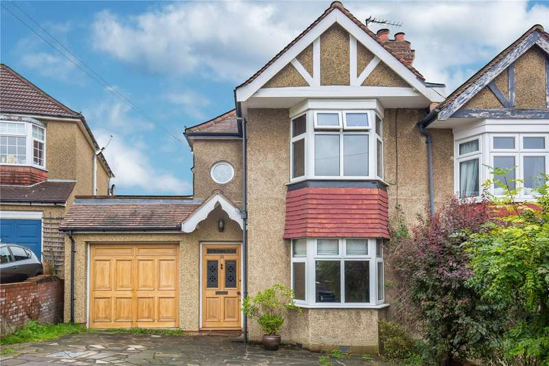 3 Bedrooms Semi Detached House for sale in Kenerne Drive, Barnet, Hertfordshire, EN5