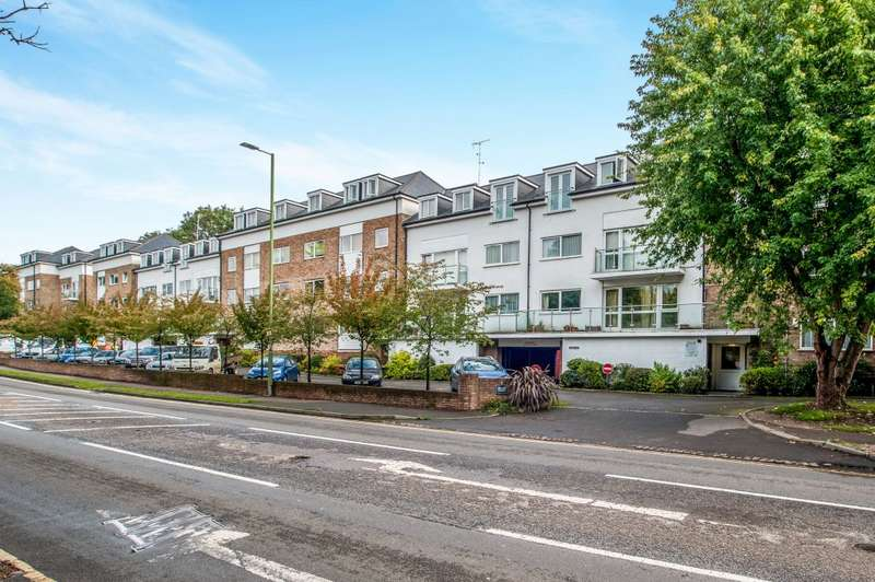 2 Bedrooms Flat for sale in Brook Court, Watling Street, Radlett, Hertfordshire WD7
