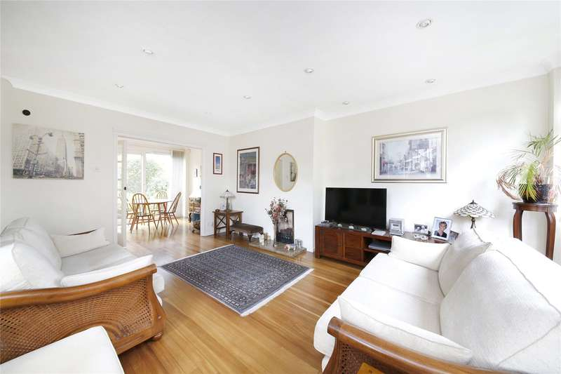 3 Bedrooms Terraced House for sale in Shelford Rise, London