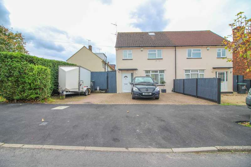 3 Bedrooms Semi Detached House for sale in Oakdale Road, South Oxhey