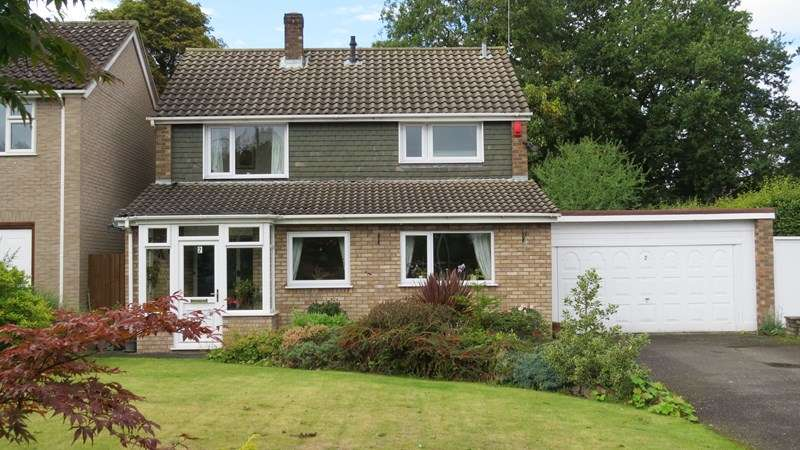 3 Bedrooms Detached House for sale in St. Mary's Close, Albrighton, Wolverhampton