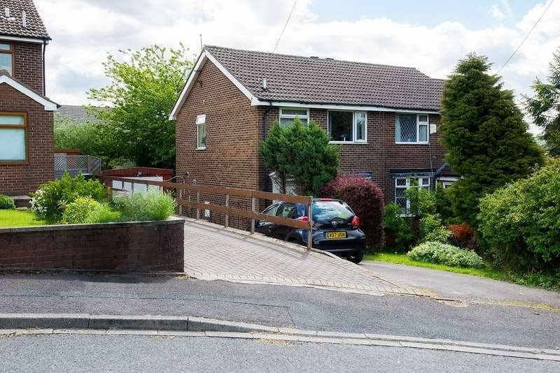 3 Bedrooms Semi Detached House for sale in Sandmoor Close, Thornton, West Yorkshire, BD13