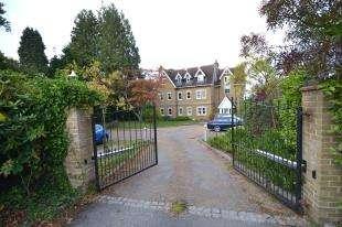 3 Bedrooms Flat for sale in Broadwater Down, Tunbridge Wells, Kent