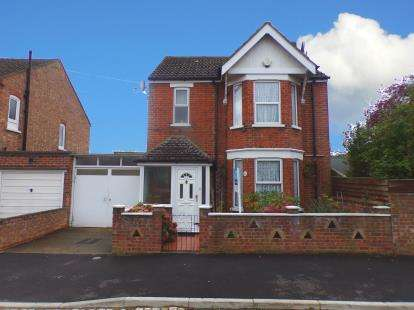 3 Bedrooms Detached House for sale in All Saints Road, Bedford, Bedfordshire