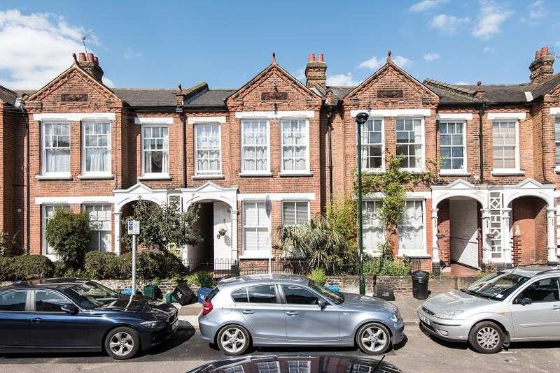 2 Bedrooms Ground Maisonette Flat for sale in North Avenue, Kew, TW9