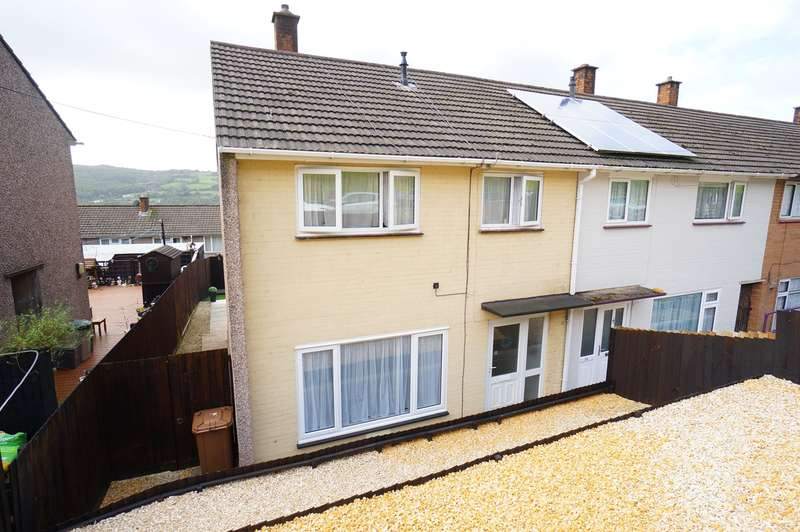 3 Bedrooms End Of Terrace House for sale in Holly Road, Risca, Newport, NP11