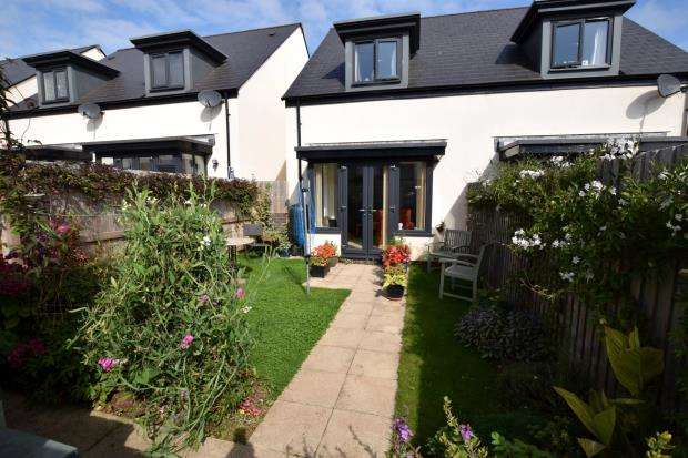 3 Bedrooms Semi Detached House for sale in Wilkins Drive, Paignton, Devon