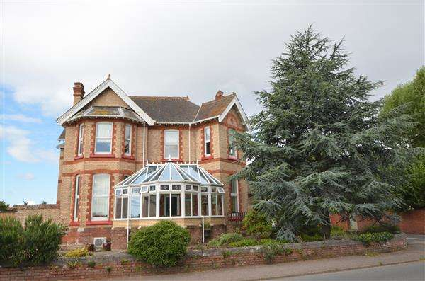 6 Bedrooms Detached House for sale in Chimneys, The Strand, Starcross