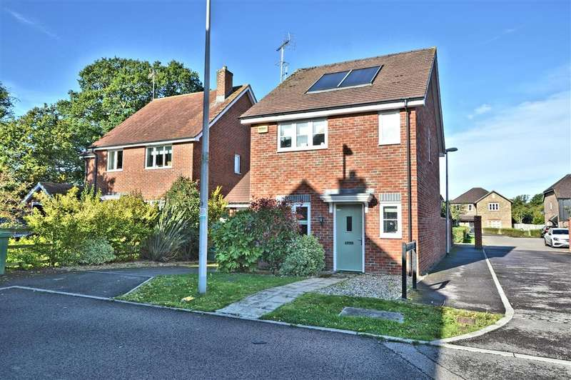 3 Bedrooms Detached House for sale in Saxon Gate, Burghfield, Reading, RG30