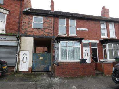 4 Bedrooms Terraced House for sale in Claremont Road, Smethwick, West Midlands