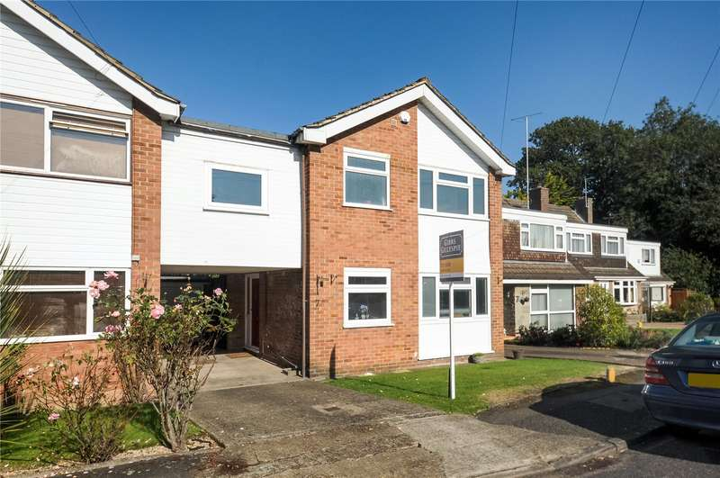 4 Bedrooms Link Detached House for sale in Fairacres, Ruislip, Middlesex, HA4