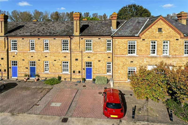 3 Bedrooms Terraced House for sale in Bears Rails Park, Old Windsor, Berkshire, SL4