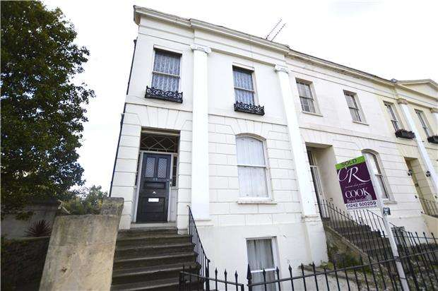 1 Bedroom Flat for sale in Portland Street, CHELTENHAM, Gloucestershire, GL52 2NX