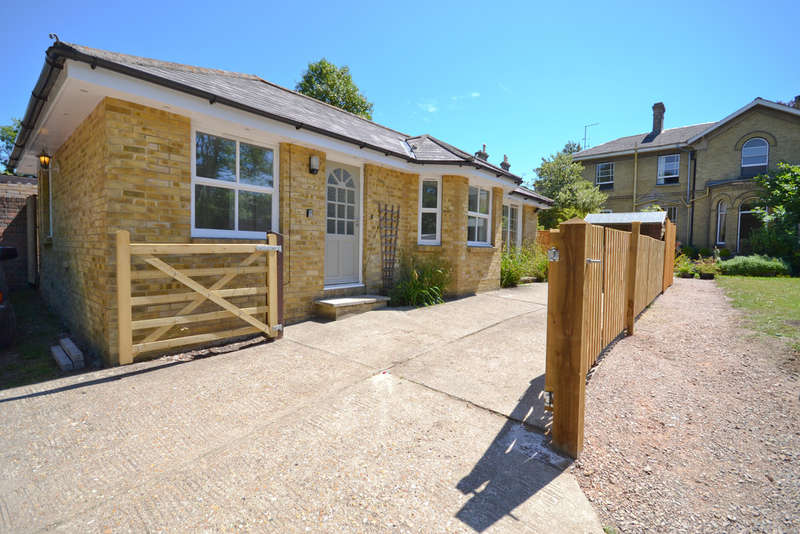 3 Bedrooms Detached Bungalow for sale in Carisbrooke, Isle Of Wight