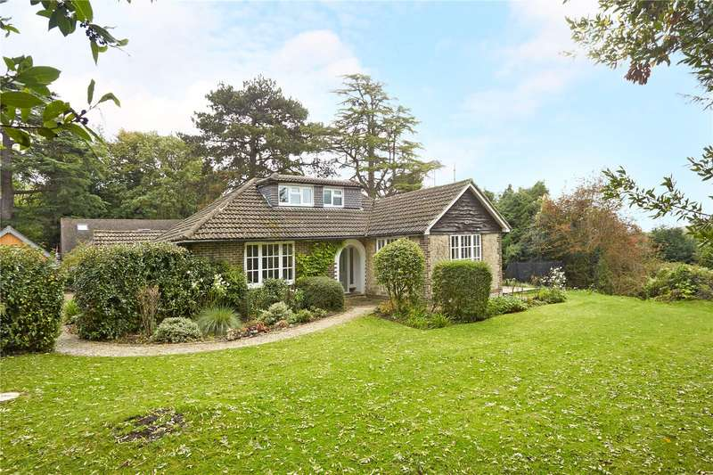 5 Bedrooms Detached House for sale in The Mount Drive, Reigate, Surrey, RH2