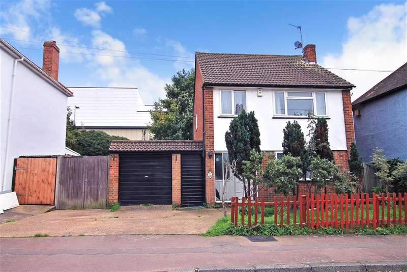 3 Bedrooms Detached House for sale in Vale Road, Sutton, Surrey