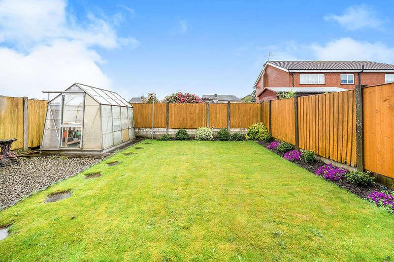 3 Bedrooms Semi Detached House for sale in Cartmel Drive, Rainhill, Prescot, L35