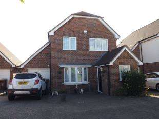 3 Bedrooms Detached House for sale in Frindsbury Hill, Rochester, Kent, .