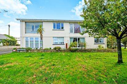 2 Bedrooms Maisonette Flat for sale in St Columb Minor, Newquay, Cornwall