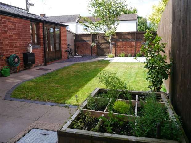 3 Bedrooms Detached House for sale in Mount Pleasant, Tewkesbury, Gloucestershire