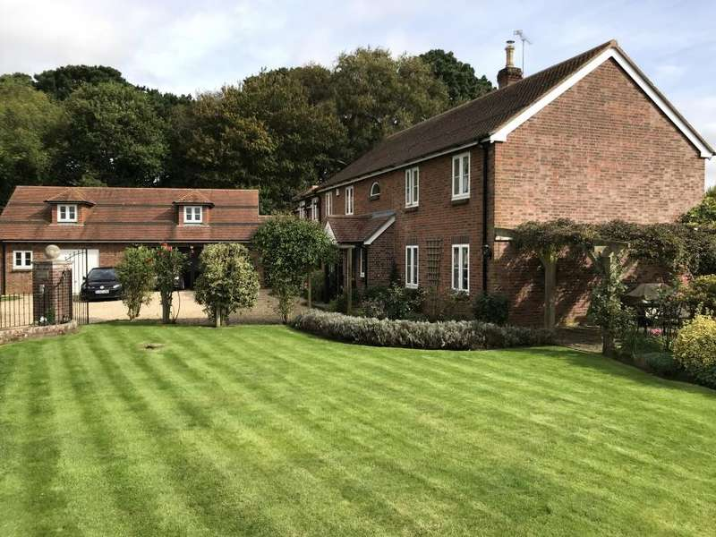 4 Bedrooms Detached House for sale in ANDERSON, BLANDFORD FORUM