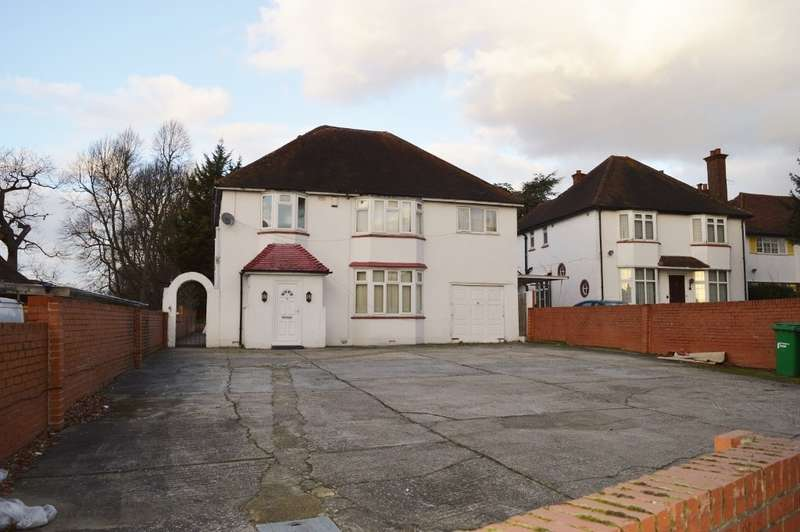 4 Bedrooms Detached House for sale in Langley Road, Langley, SL3