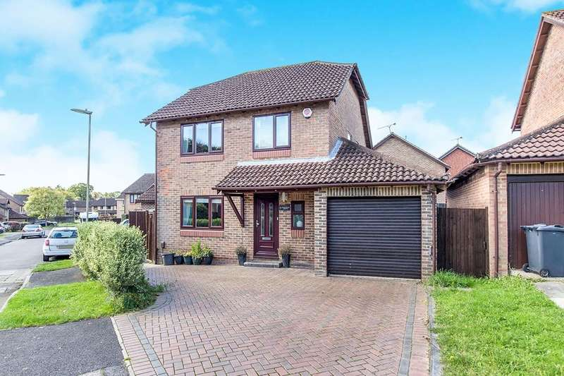 4 Bedrooms Detached House for sale in Edgefield Grove, Waterlooville, PO7