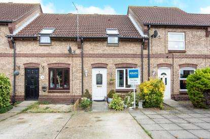 2 Bedrooms Terraced House for sale in Caister On Sea, Great Yarmouth, Norfolk