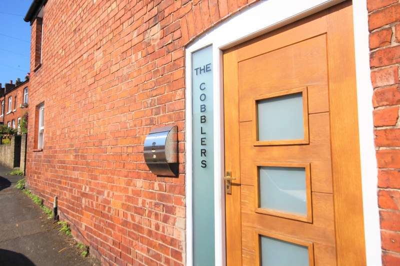 2 Bedrooms Semi Detached House for sale in The Cobblers, Middlewich, CW10