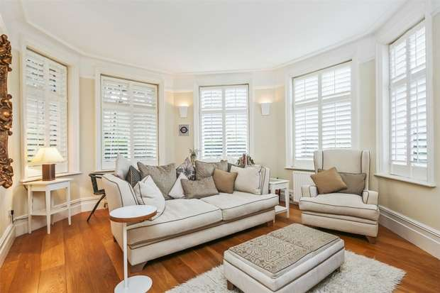 2 Bedrooms Flat for sale in Rusthall Mansions, South Parade, Chiswick