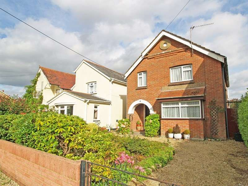 3 Bedrooms Detached House for sale in Solent Road, Walkford, Christchurch