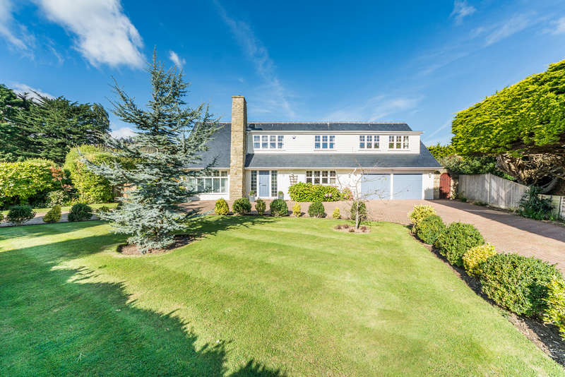 4 Bedrooms Detached House for sale in West Ridings, East Preston