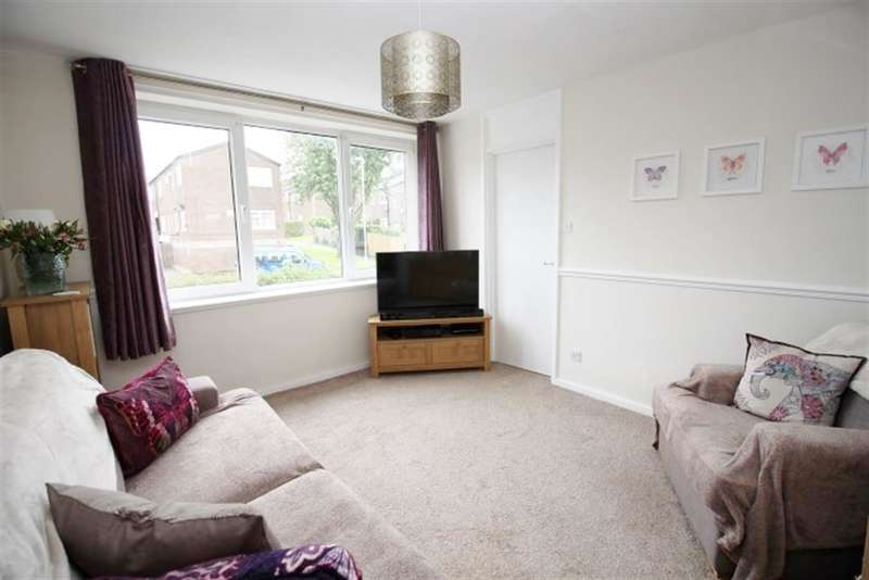 2 Bedrooms Terraced House for sale in Rossefield Terrace, Bramley, LS13 3SE